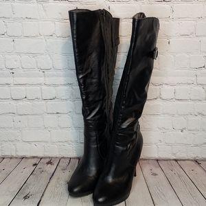 Knee high black boots 7.5